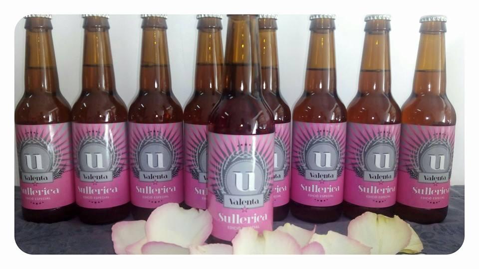 (Español) Sullerica Valenta, una cerveza en homenaje a las mujeres que sufren cáncer de pecho.